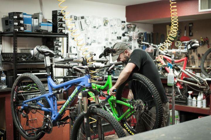 Santa Cruz, Kona, DeVinci - Bike and Beans had our dream bikes for rent
