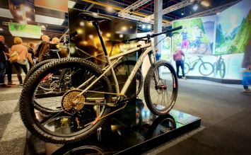 Titanium bikes from Van Nicholas